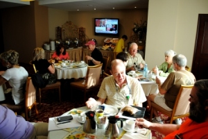 Welcome breakfast at Toscana Inn Panama City