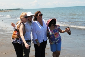 Panama Relocation Tour Day 2 - Girl Power at the Beach