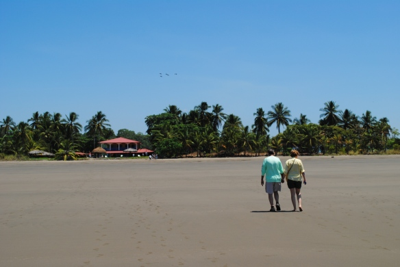 Others prefer the quiet, relaxed, uncrowded beach atmosphere of Chiriqui beaches.